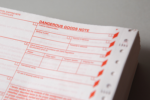 DANGEROUS GOODS NOTES & STANDARD-SHIPPING NOTES